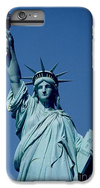 New York City iPhone 7 Plus Case - The Statue Of Liberty by American School
