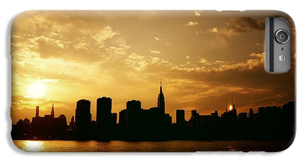 City Sunset iPhone 7 Plus Case - Two Suns - The New York City Skyline In Silhouette At Sunset by Vivienne Gucwa