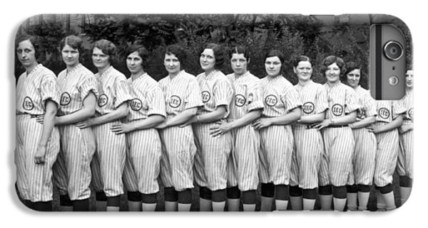 Vintage Photo Of Women's Baseball Team IPhone 7 Plus Case by American School