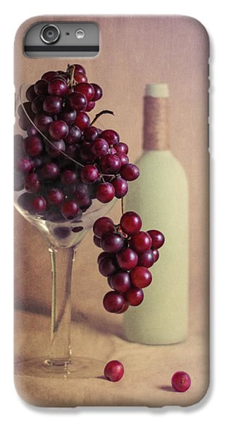 Wine On The Vine IPhone 7 Plus Case by Tom Mc Nemar