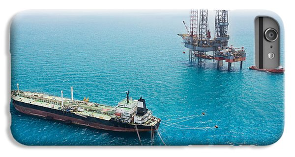 Ship iPhone 7 Plus Case - Oil Tanker And Oil Rig In The Gulf by Kanok Sulaiman