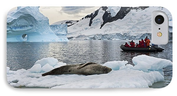 Antarctic Serenity... IPhone Case