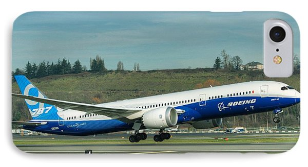 Boeing 787-9 Gets Airborne IPhone Case