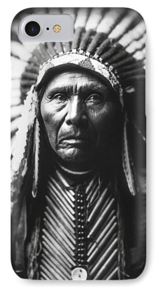 Portraits iPhone 8 Case - Indian Of North America Circa 1905 by Aged Pixel