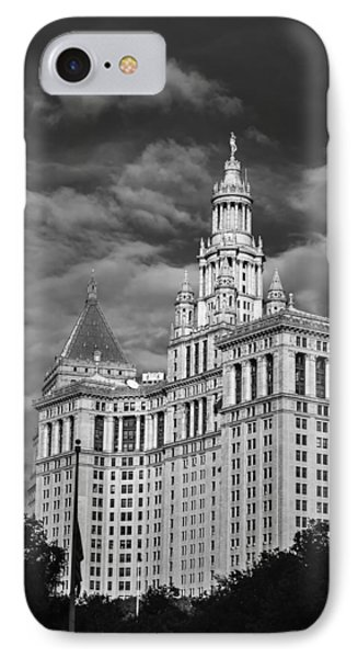 New York Municipal Building - Black And White IPhone Case