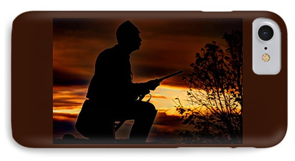 Sky Fire - 1st Pa Cavalry Regiment-a1 Cemetery Ridge Near Copse Of Trees Dawn Autumn Gettysburg IPhone Case