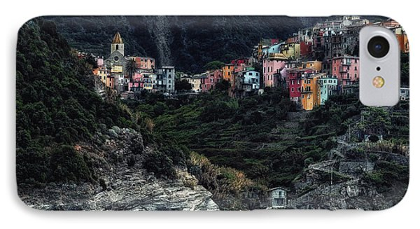 Village  -on The Rocks- IPhone Case