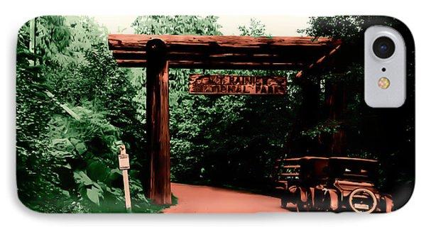 Vintage Mt.rainier National Park Entrance Early 1900 Era... IPhone Case