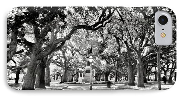 White Point Gardens At Battery Park Charleston Sc Black And White IPhone Case
