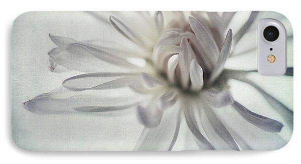 Daisy iPhone 8 Case - Focus On The Heart by Priska Wettstein