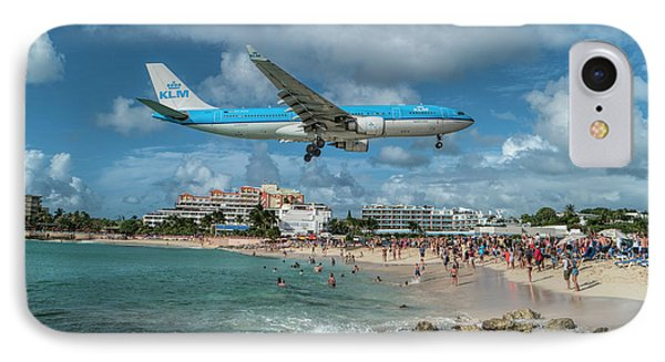 K L M A330 Landing At Sxm IPhone Case