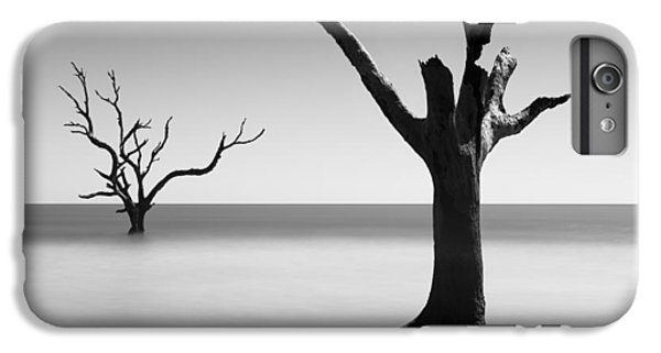 Bull iPhone 8 Plus Case - Boneyard Beach - IIi by Ivo Kerssemakers