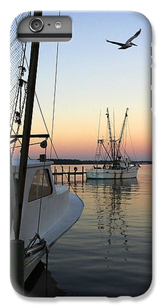 Shrimp Boats iPhone 8 Plus Case - Captain Tony - In For The Night by Mike McGlothlen