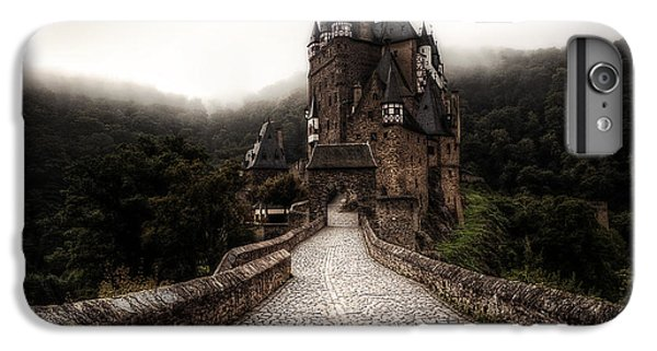 Castle iPhone 8 Plus Case - Castle In The Mist by Ryan Wyckoff
