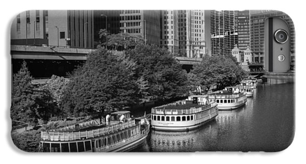 Chicago River iPhone 8 Plus Case - Chicago River Tour Boats B W by Steve Gadomski