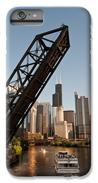 Chicago River iPhone 8 Plus Case - Chicago River Traffic by Steve Gadomski