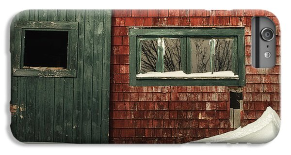 New England Barn iPhone 8 Plus Case - Drifted In by Susan Capuano