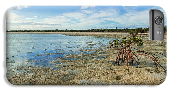 Shrub iPhone 8 Plus Case - Isolated by Chad Dutson