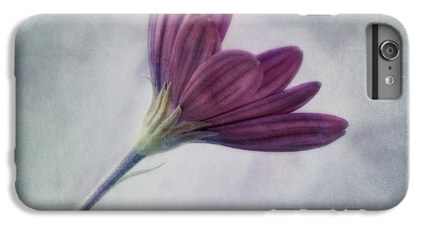 Flowers iPhone 8 Plus Case - Looking For You by Priska Wettstein