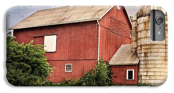 New England Barn iPhone 8 Plus Case - Rustic Barn by Bill Wakeley