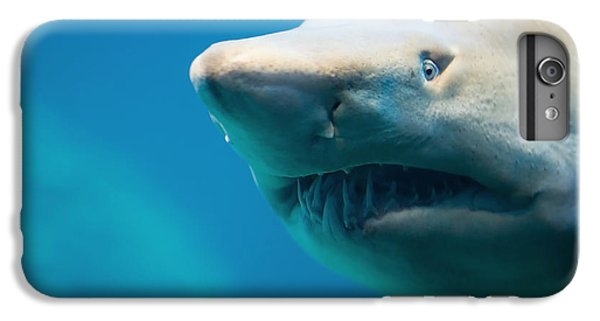 Bull iPhone 8 Plus Case - Shark by Johan Swanepoel