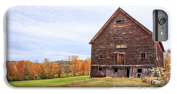 New England Barn iPhone 8 Plus Case - An Old Wooden Barn In Vermont. by Edward Fielding