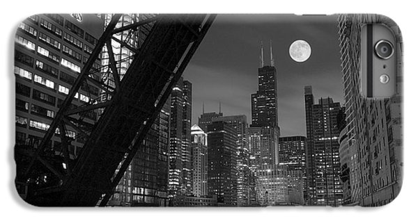 Chicago River iPhone 8 Plus Case - Chicago Pride Of Illinois by Frozen in Time Fine Art Photography