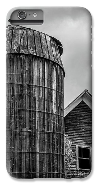 New England Barn iPhone 8 Plus Case - Ely Vermont Old Wooden Silo And Barn Black And White by Edward Fielding