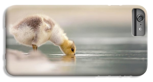 Gosling iPhone 8 Plus Case - Lost Something? - Drinking Gosling by Roeselien Raimond