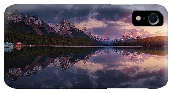 Rocky Mountain iPhone XR Case - Maligne Mountains by Juan Pablo De