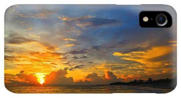 Scuba Diving iPhone XR Case - Sunset In Paradise - Beach Photography By Sharon Cummings by Sharon Cummings