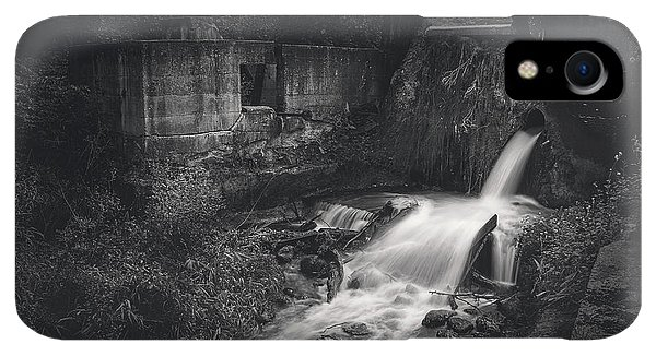 Kettles iPhone XR Case - Paradise Springs Dam And Turbine House Ruins by Scott Norris