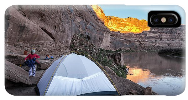 Knit Hat iPhone XS Max Case - Camping Along The Labyrinth Canyon by Kennan Harvey