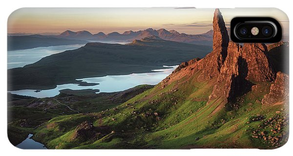 Scotland iPhone XS Max Case - Scotland - Old Man Of Storr by Jean Claude Castor