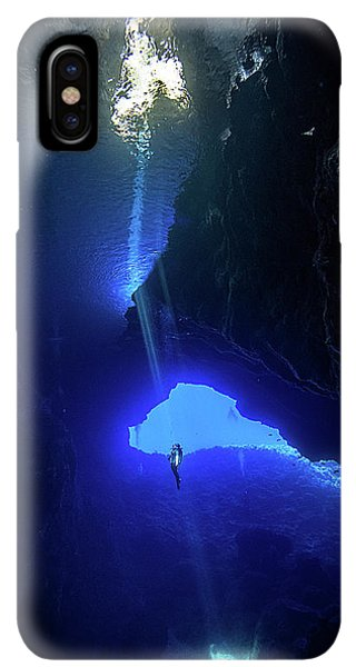 Scuba Diving iPhone XS Max Case - Sound From Sky by Charlie Jung