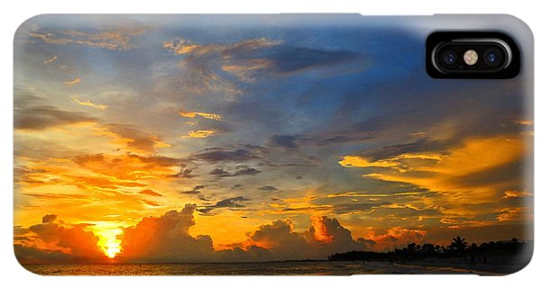 Scuba Diving iPhone XS Max Case - Sunset In Paradise - Beach Photography By Sharon Cummings by Sharon Cummings