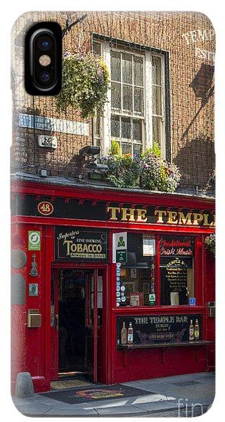 St. Patricks Day iPhone XS Max Case - Temple Bar - Dublin Ireland by Brian Jannsen