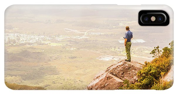 Rocky Mountain iPhone XS Max Case - Tourist On The Tip Of Western Tasmania by Jorgo Photography - Wall Art Gallery