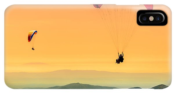 Navigation iPhone XS Max Case - Duo Paragliding Flight by Aurelien Laforet