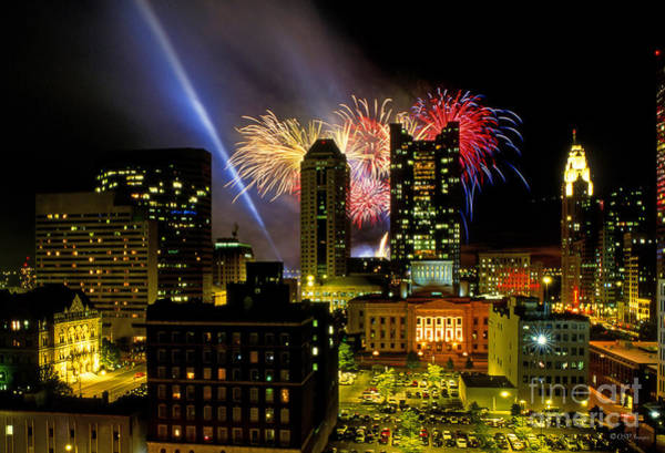 21l334 Red White And Boom Fireworks Display Photo Poster