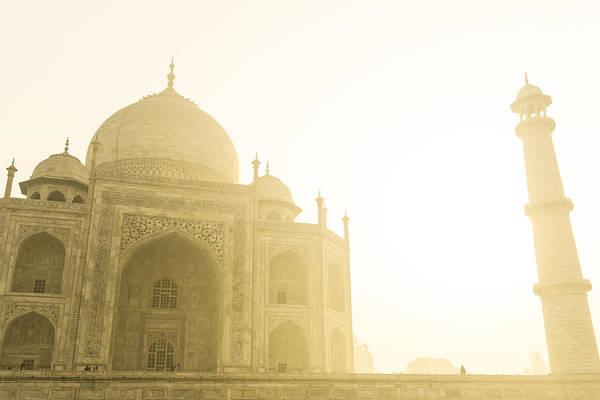 Taj Mahal In The Morning Poster