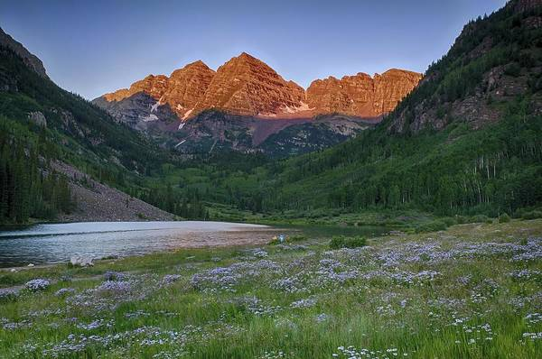 A Maroon Morning - Maroon Bells Poster