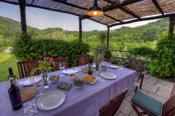 Alfresco Dining In Tuscany Poster
