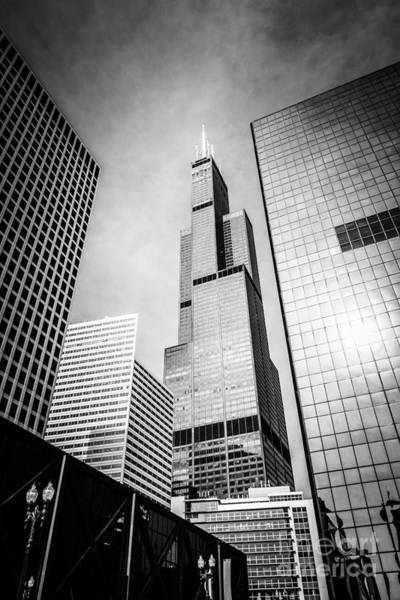 Chicago Willis-sears Tower In Black And White Poster