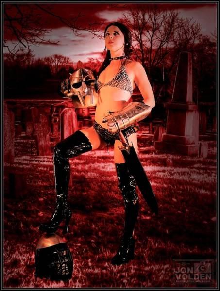 Grave Hunter Poster