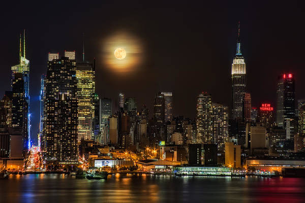 Super Moon Over Nyc Poster