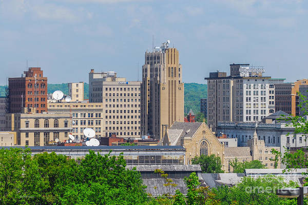 D39u-2 Youngstown Ohio Skyline Photo Poster
