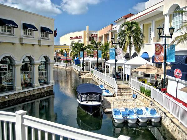 Cancun Shopping Poster