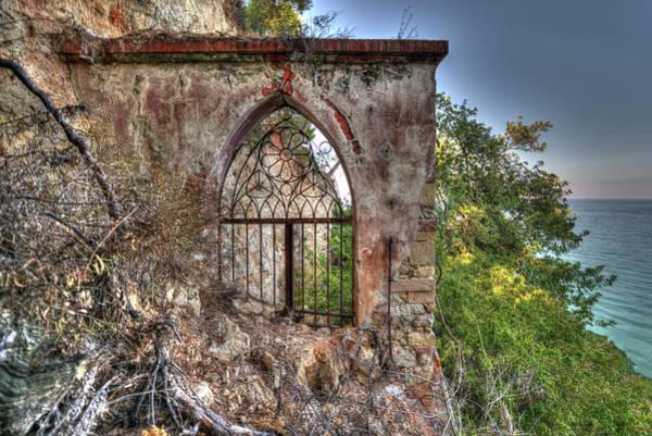 Abandoned Places Iron Gate Over The Sea - Cancellata Sul Mare Poster