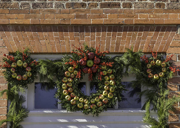 Apple Wreaths At The George Wythe House Poster